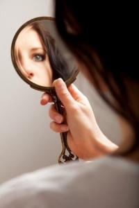 mirror 13204669_s